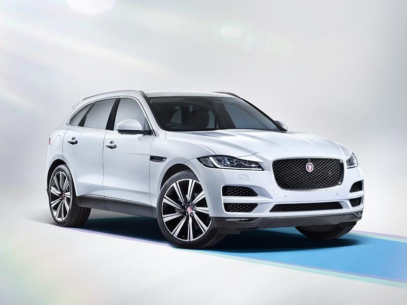 Jaguar F-Pace 2016 вид спереди