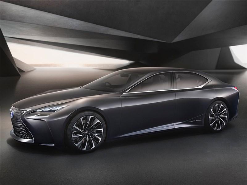 Lexus LF-FC 2015 вид спереди сбоку
