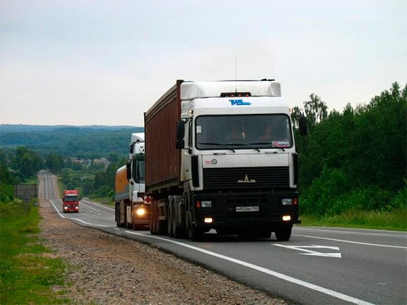 В Госдуму внесен законопроект об отмене транспортного налога для большегрузных автомобилей
