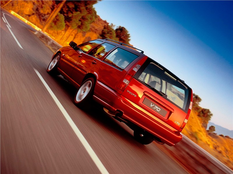Volvo V70 1997 вид сзади