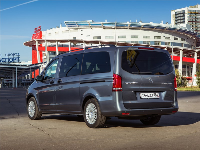 Mercedes-Benz Vito Tourer 2015 вид сзади