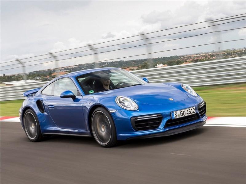 Porsche 911 Turbo 2016 вид спереди