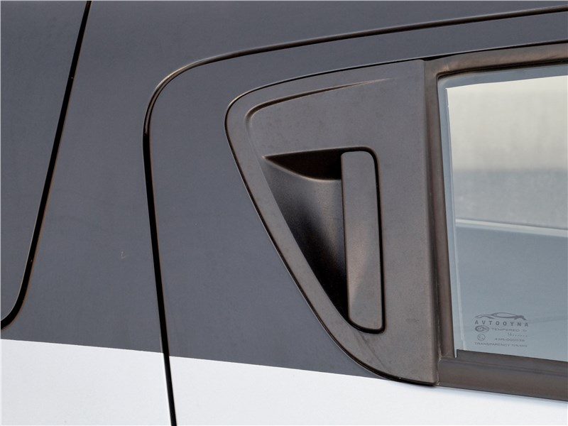 Ravon R2 2016 наружные ручки задних дверей