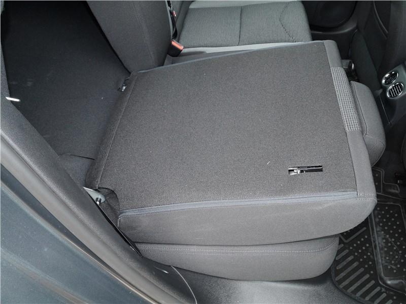 Peugeot 408 2017 задний диван