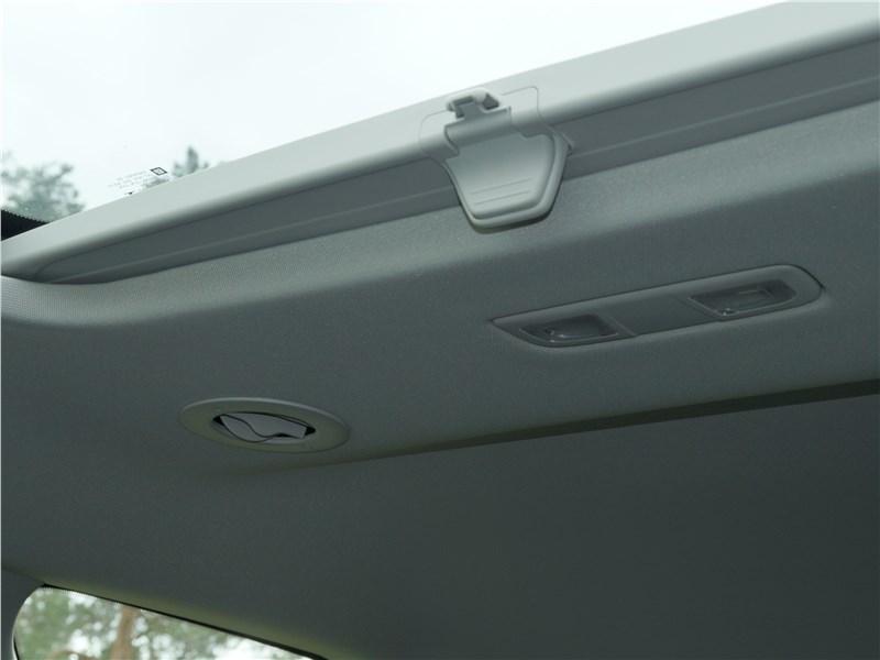 Chevrolet Traverse 2018 люк