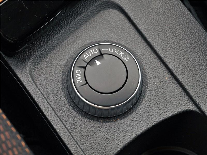 Renault Duster (2021) «шайба» селектора