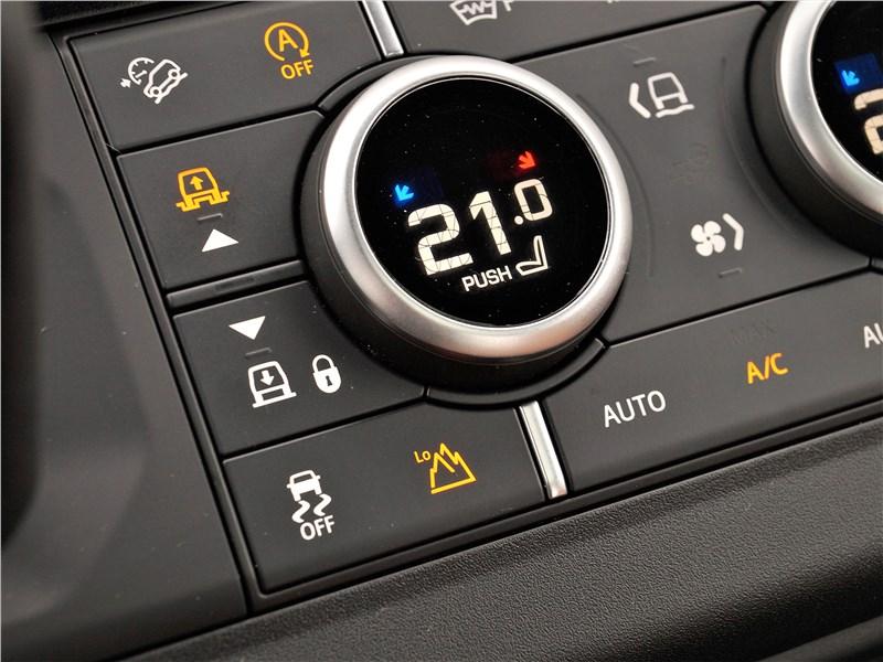 Land Rover Defender 90 (2020) управление климатом