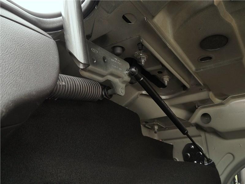 Ford Focus 2014 крышка багажника