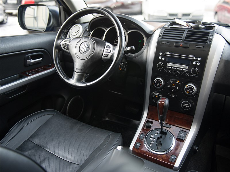 Suzuki Grand Vitara 2009 интерьер