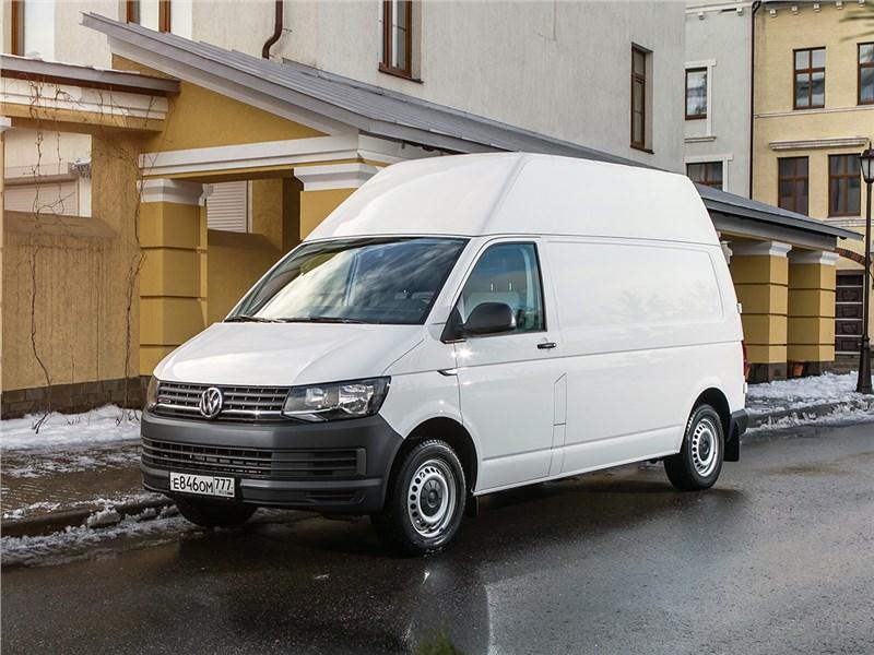 Volkswagen Transporter 2015 вид спереди