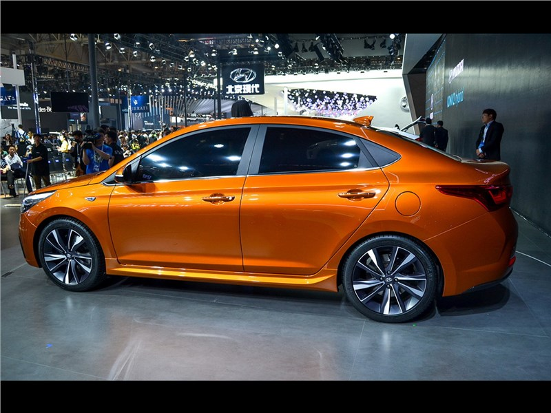 Hyundai Verna Concept 2016 вид сбоку