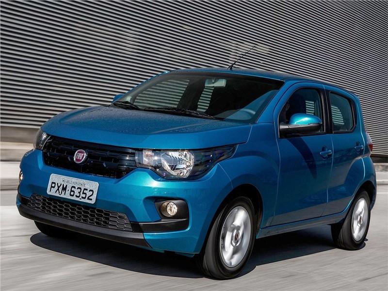 Fiat Mobi 2017 вид спереди