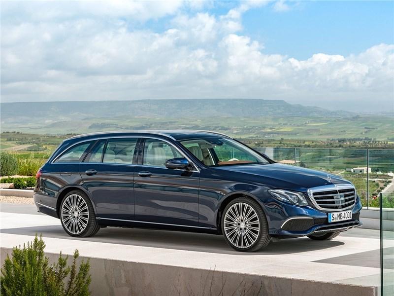 Mercedes-Benz E-Class Estate 2017 вид спереди сбоку