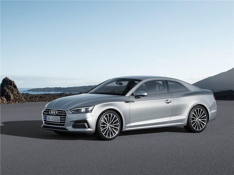 Audi A5 Coupe 2017 вид спереди сбоку