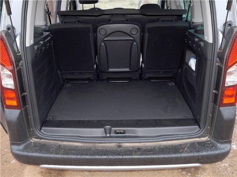 Peugeot Partner Tepee 2016 багажное отделение