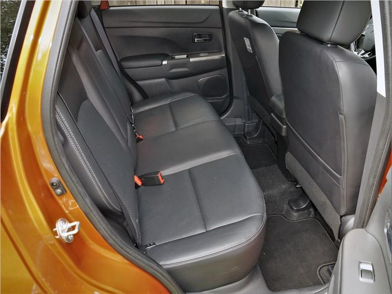 Mitsubishi ASX 2020 задний диван