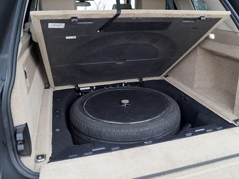 Range Rover LWB 2014 запасное колесо