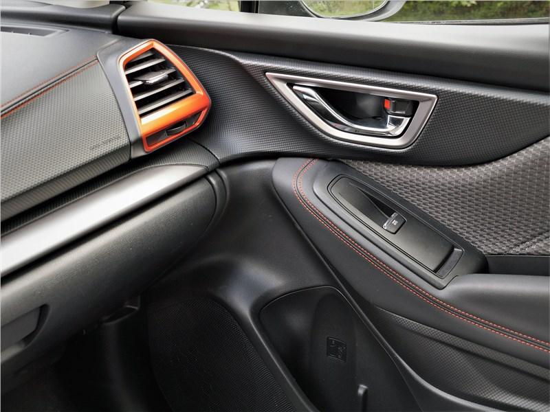 Subaru Forester Sport (2019) отделка салона
