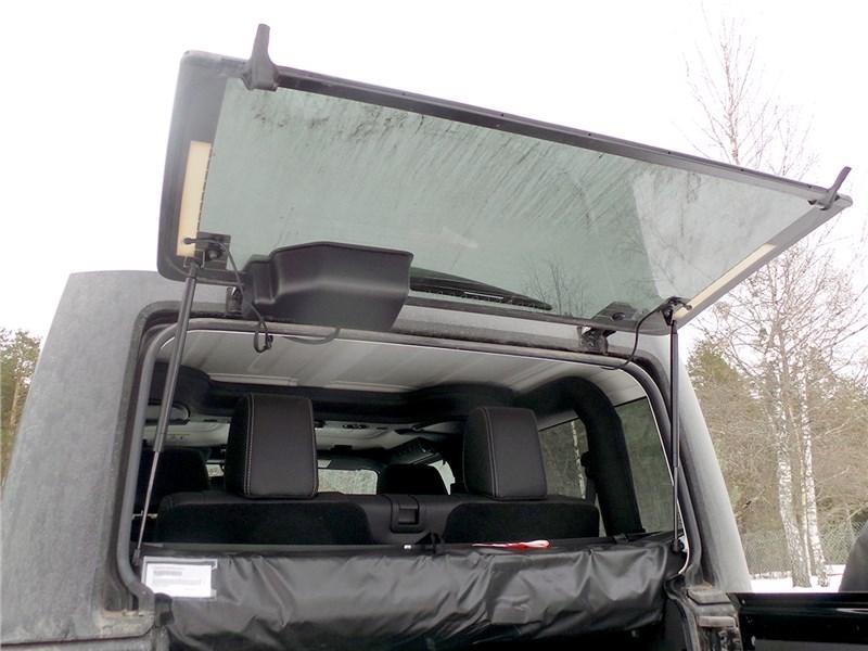 Jeep Wrangler 2007 задняя дверь