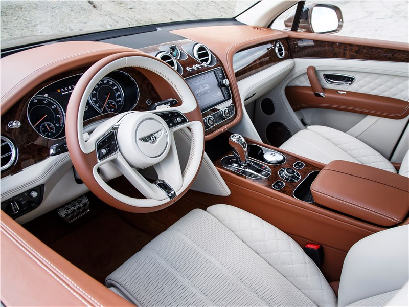 Bentley Bentayga 2016 водительское место