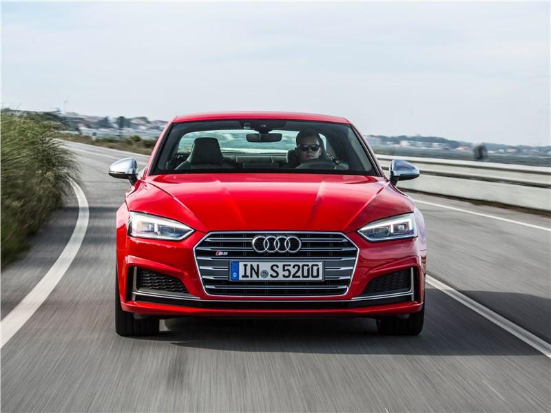 Audi S5 2017 вид спереди