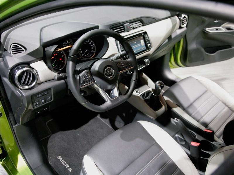 Nissan Micra 2017 салон