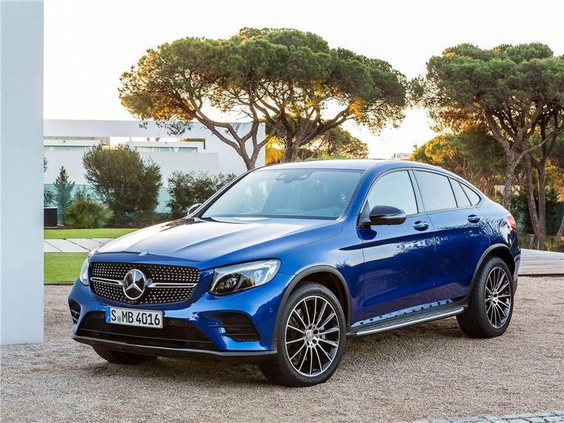 Mercedes-Benz GLC Coupe 2017 вид спереди сбоку