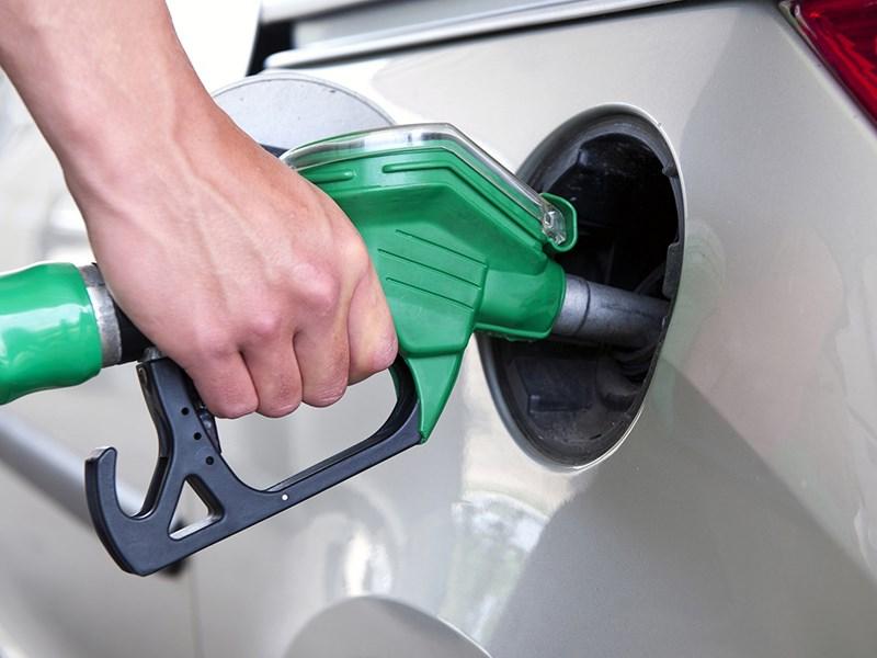 Подорожание бензина опережает планы