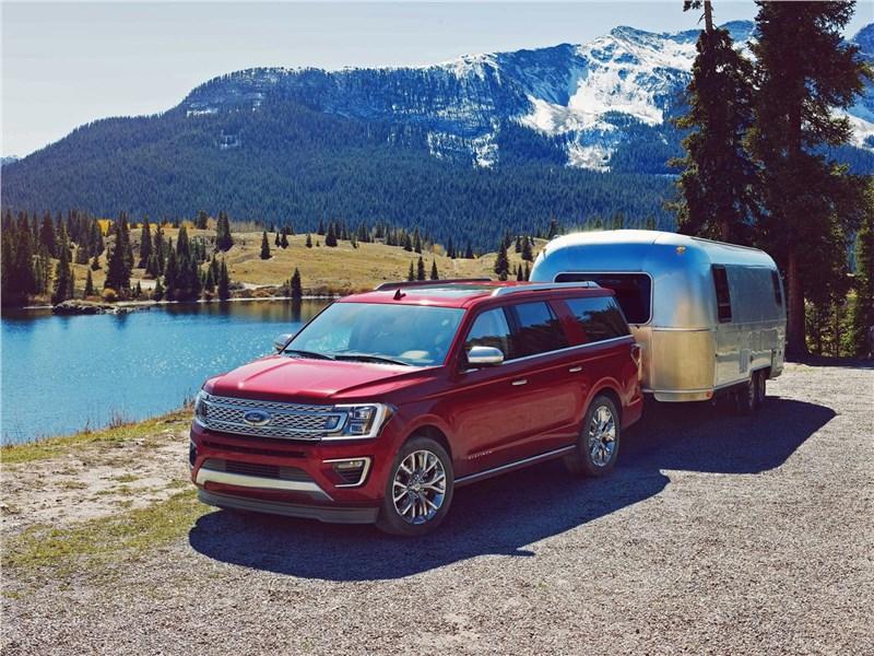 Ford Expedition 2018 вид спереди