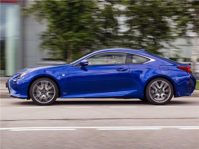 Lexus RC 2015 вид сбоку