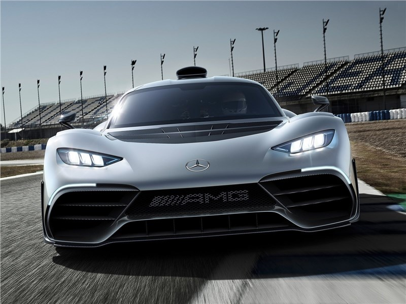 Mercedes-Benz AMG Project ONE Concept 2017 вид спереди