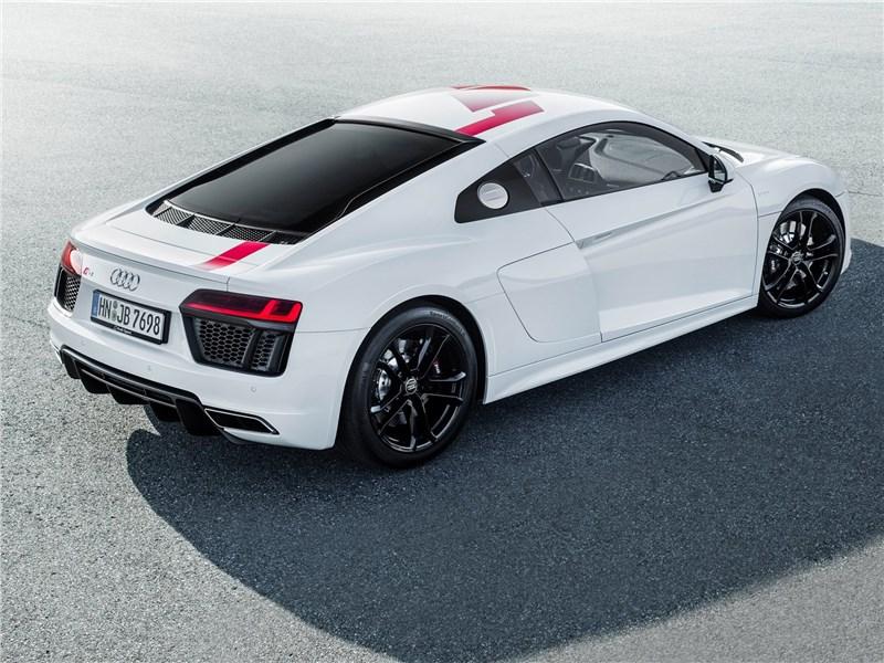 Audi R8 RWS 2018 вид сзади сверху