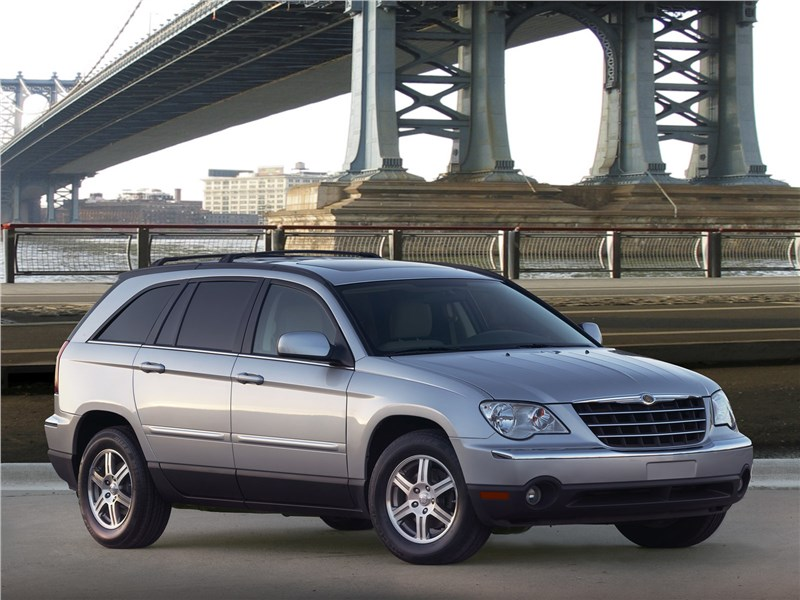 Chrysler Pacifica 2007 вид спереди