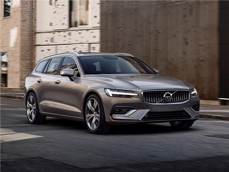 Volvo V60 2019 вид спереди