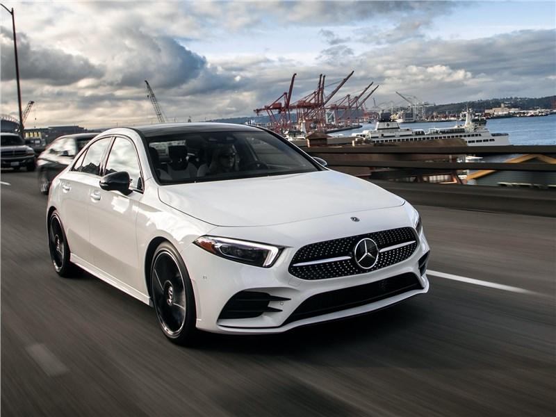 Mercedes-Benz A-Class 2019 стал в прямом смысле очень разговорчивым