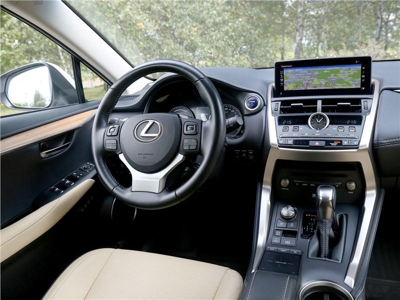 Lexus NX 2018 NX 300H салон