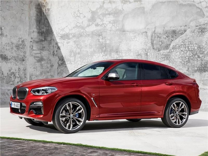BMW X4 M 2019 вид спереди сбоку