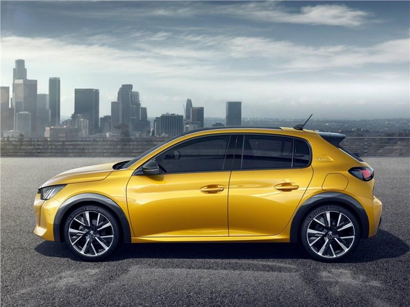 Peugeot 208 2020 вид сбоку