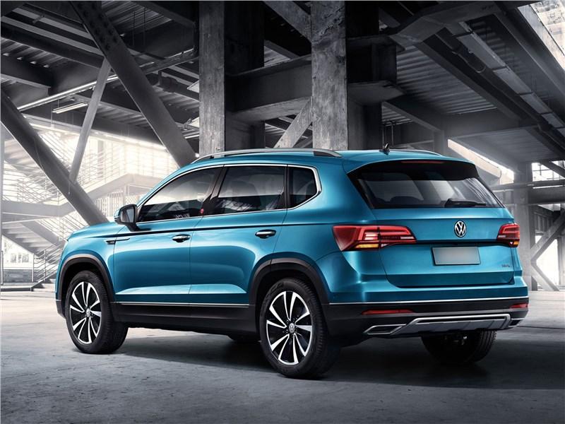 Volkswagen Tarek 2020 вид сзади