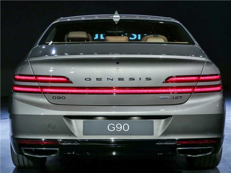 Genesis G90 2019 вид сзади
