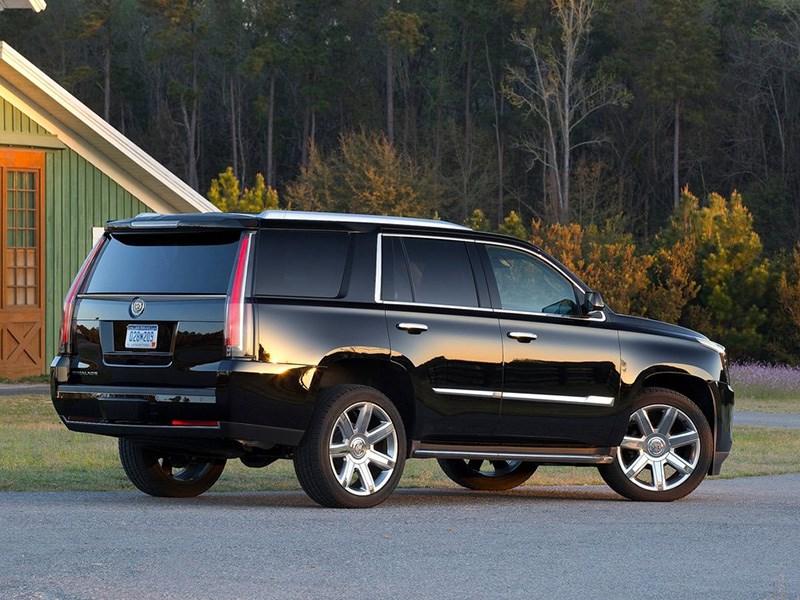 Премьера нового Cadillac Escalade откладывается Фото Авто Коломна