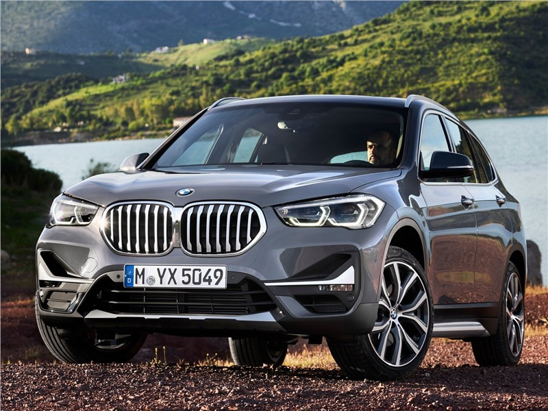 BMW X1 2020 вид спереди