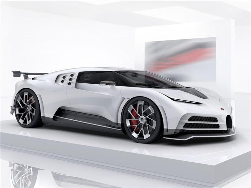 Bugatti Centodieci 2020 вид спереди сбоку
