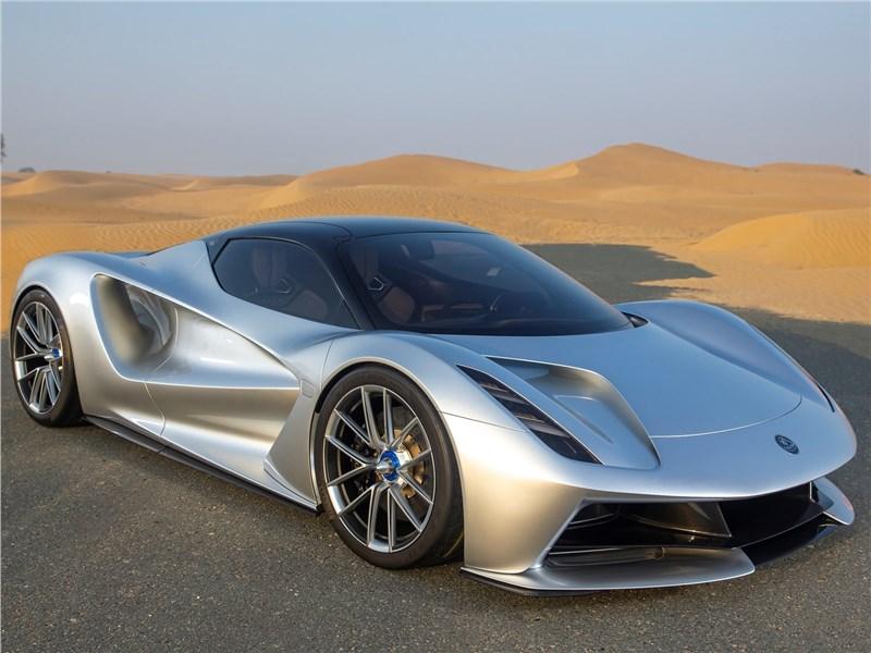 Lotus Evija 2020 вид спереди