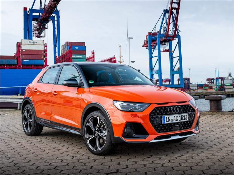 Audi A1 Citycarver 2020 вид спереди