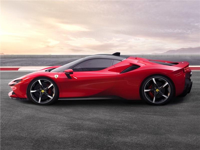 Ferrari SF90 Stradale 2020 вид сбоку
