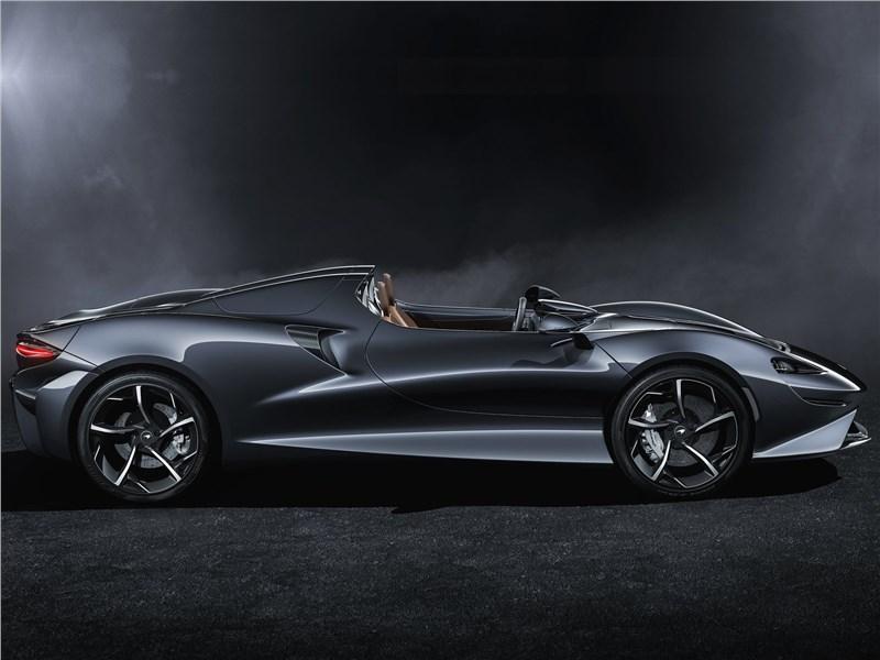 McLaren Elva 2021 вид сбоку