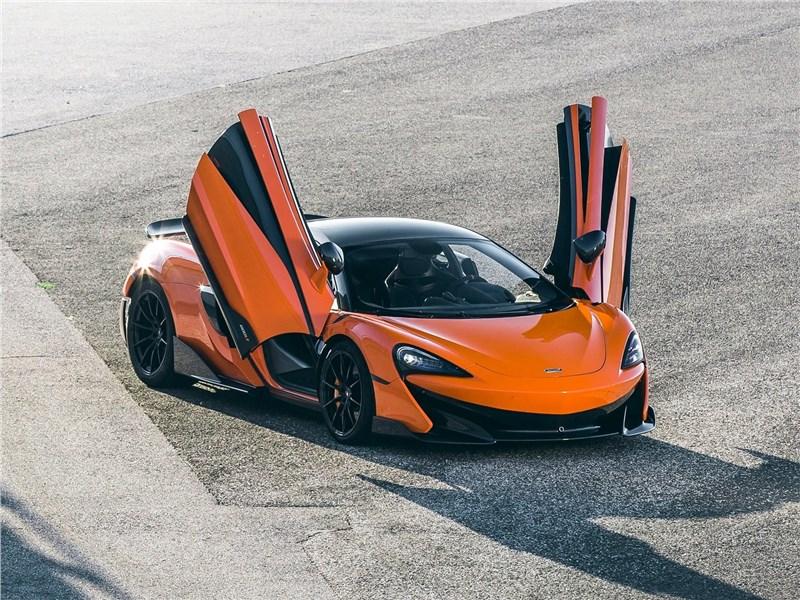 McLaren 600LT 2019 вид спереди