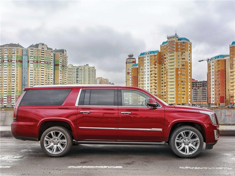 Cadillac Escalade ESV 2017 вид сбоку