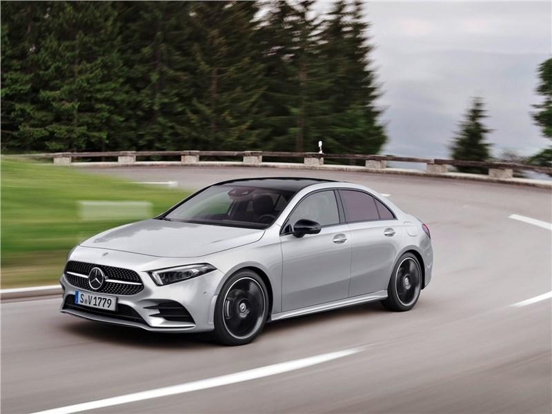 Mercedes-Benz A-Class 2019 вид спереди